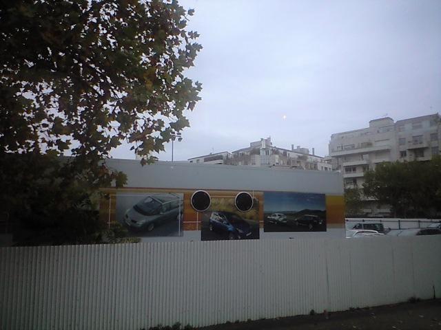 再開発中のルノー本社跡地へ