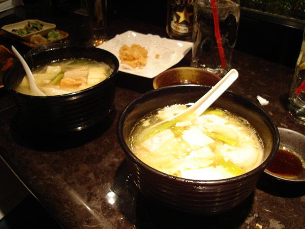 脂の乗ったサーモンたっぷりのスープ