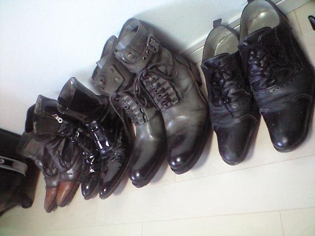ブーツが好きなんですが写真には納まらない量が・・・