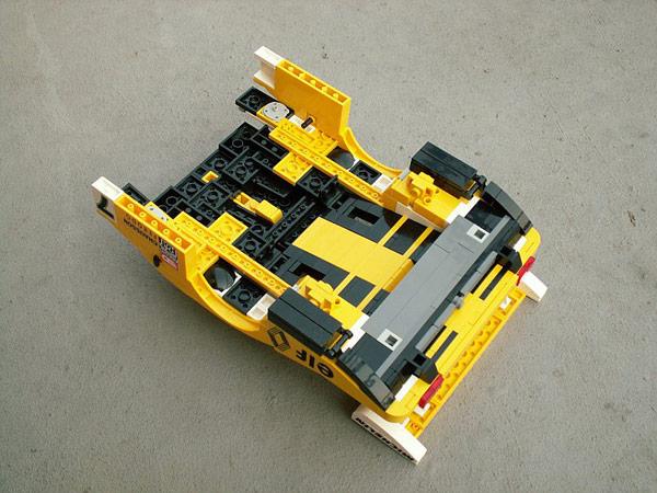 なんと、レゴで作られた作品なんです