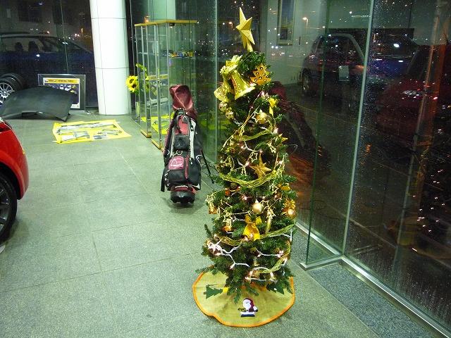 3Fには2本のツリーが飾ってあります