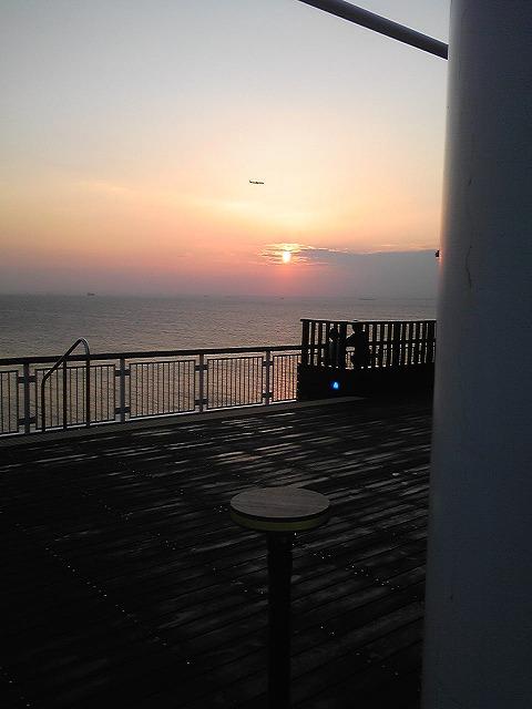 海と空と飛行機と夕日♪
