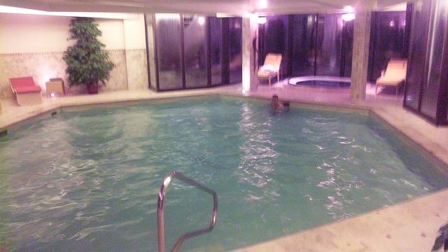 RJのB氏と泳ぎまくります