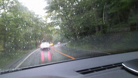 22台が並んで走ってるのに雨で・・・