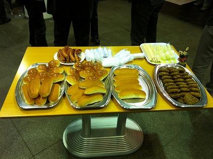 ハンバーグステーキ&ソーセージ&パン