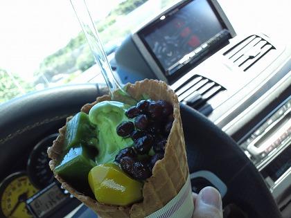 京都のSAで美味しいデザートにありつきます