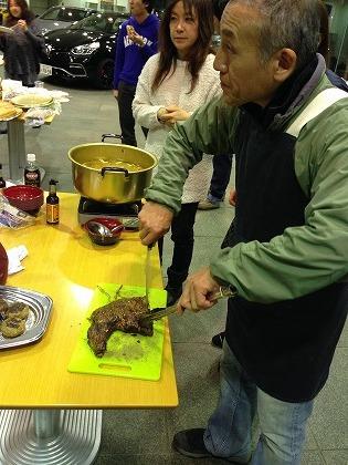 一流料理人が肉を切り始めると