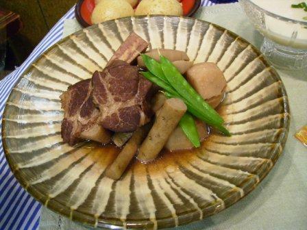 豚肉と根菜の赤ワイン煮