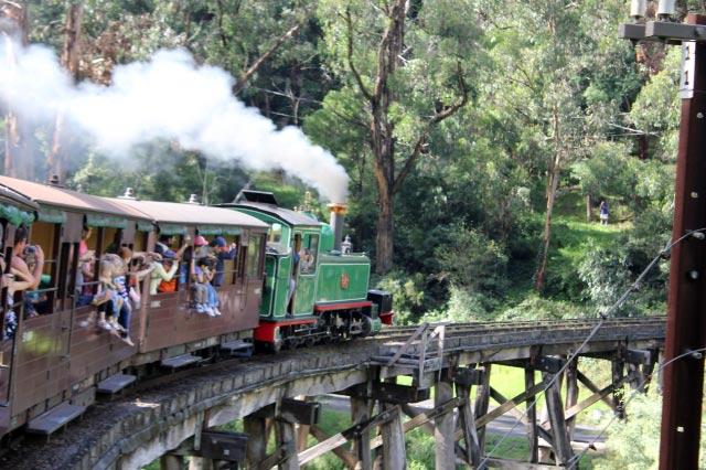 蒸気機関車-1.jpg