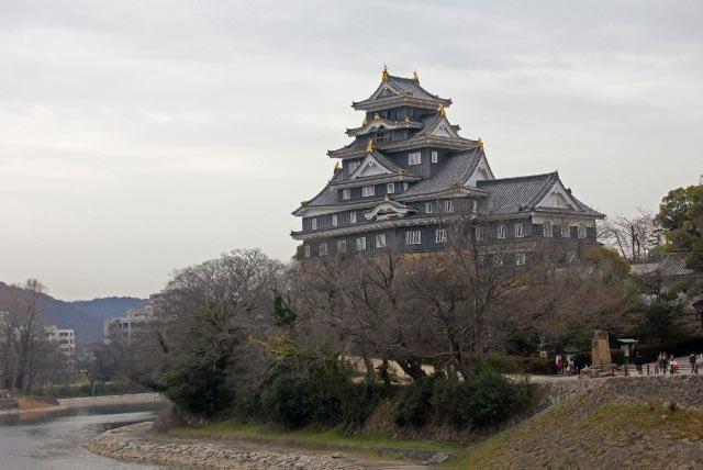 岡山城-1.jpg