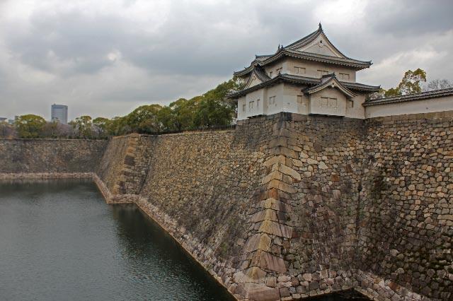 大阪城濠-1.jpg