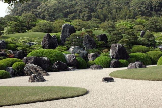 庭園2-1.jpg