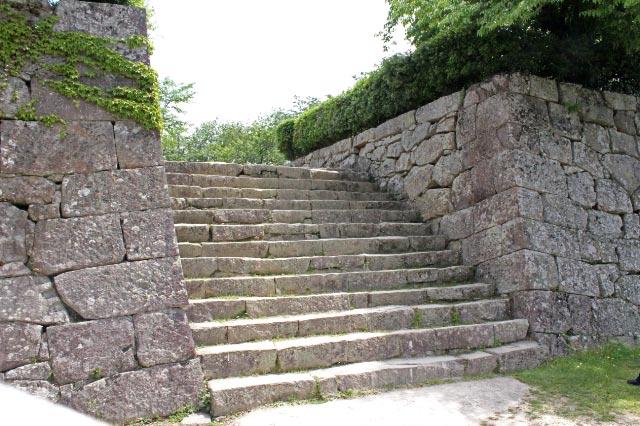 宇和島城の石垣-1.jpg