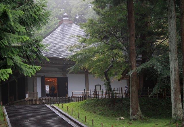中尊寺金色堂-1.jpg