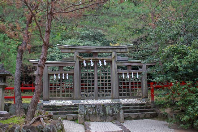 桧原神社、三つ鳥居-1.jpg