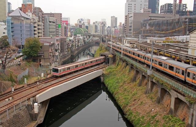 地下鉄と中央線-1.jpg