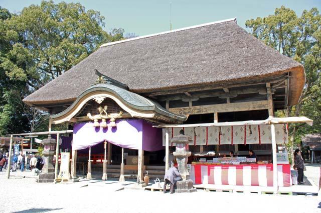 青井阿蘇神社、拝殿-1.jpg