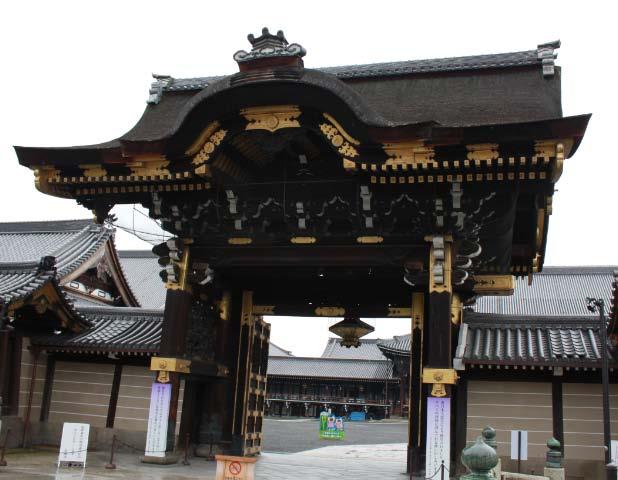 西本願寺、唐門.jpg