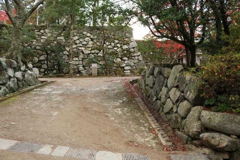 二の丸 助左衛門ご門跡-1.jpg