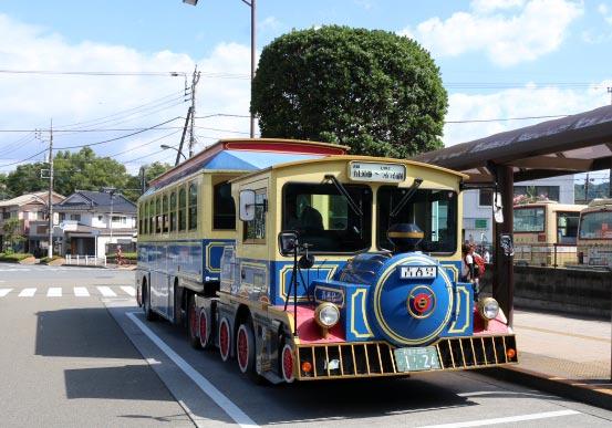 機関車バス-1.jpg