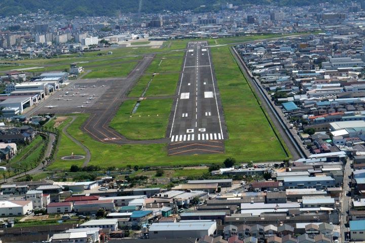 八尾飛行場-1.jpg