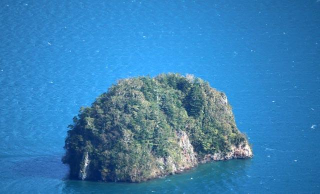 カムイシュ島.jpg