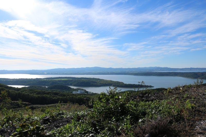 天都山から見た網走湖.jpg