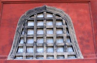 窓-1.jpg