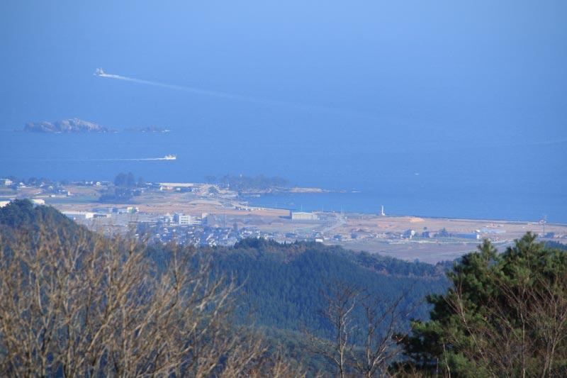 徳仙丈から見た岩井崎-1.jpg