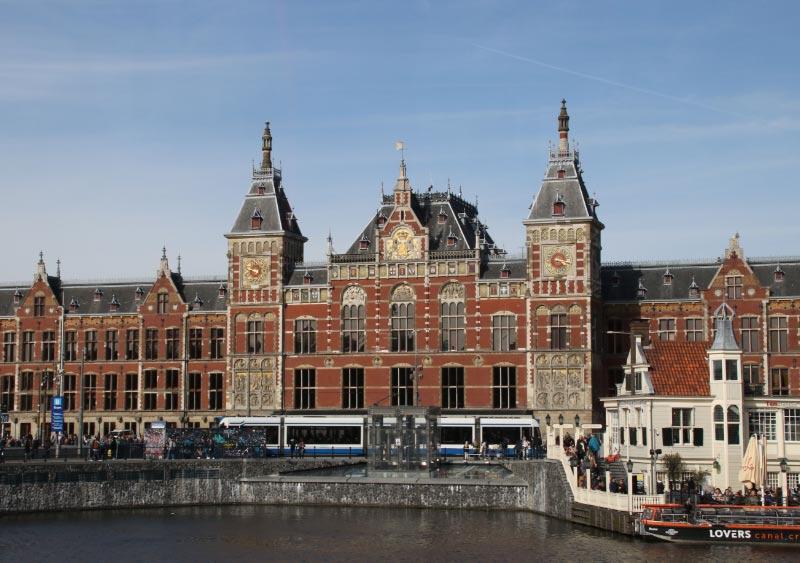 アムステルダム中央駅-1.jpg