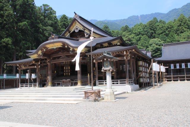 弥彦神社-1-1.jpg