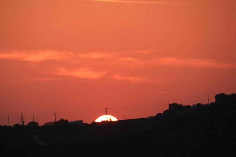 ミコノス島の夕日-1.jpg