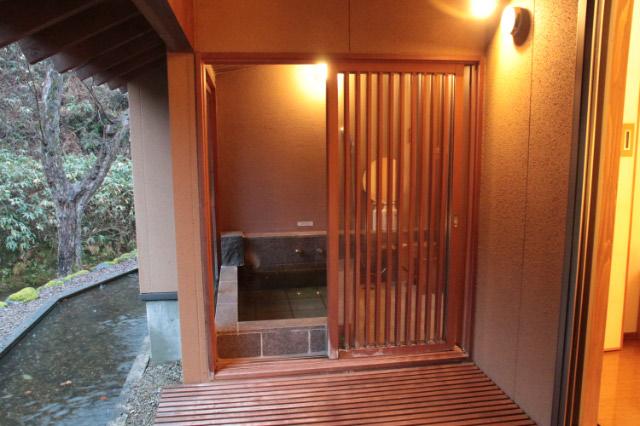 部屋の温泉-1.jpg