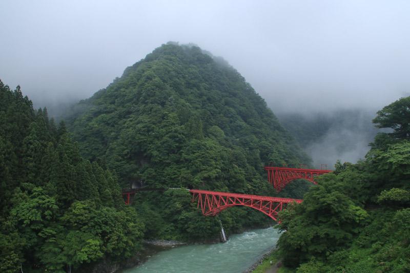 山彦橋と新山彦橋.jpg