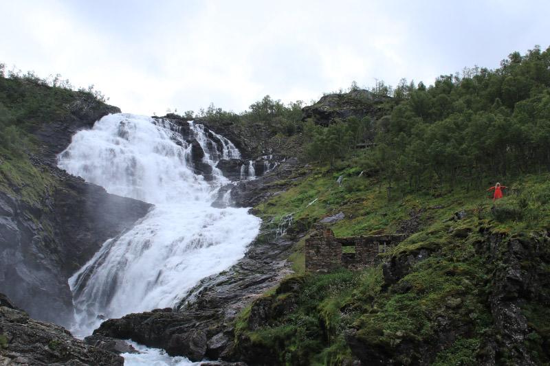 kjosfossen の滝-1.jpg