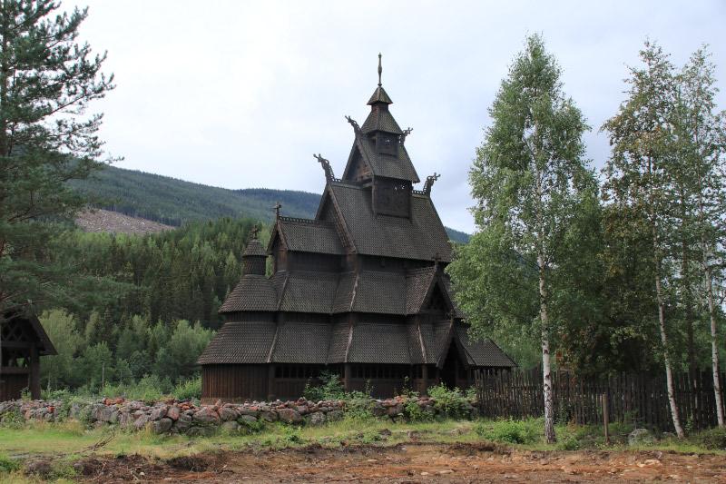gorudarikeの教会-1.jpg