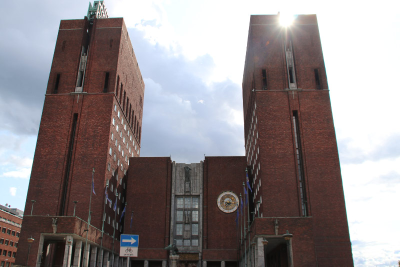 ノルウェー市庁舎-1.jpg