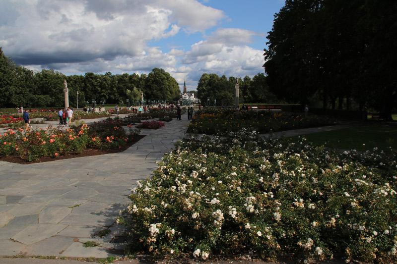 ヴィーゲランの彫刻公園-1.jpg