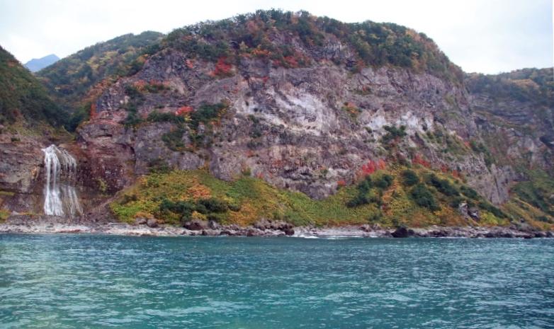 カムイワッカの滝-1-2の修正.jpg