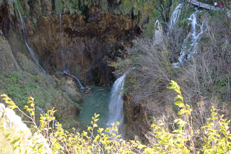 展望台から大滝を見る-1.jpg