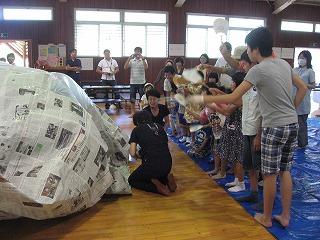 新聞紙ドームを作ろう