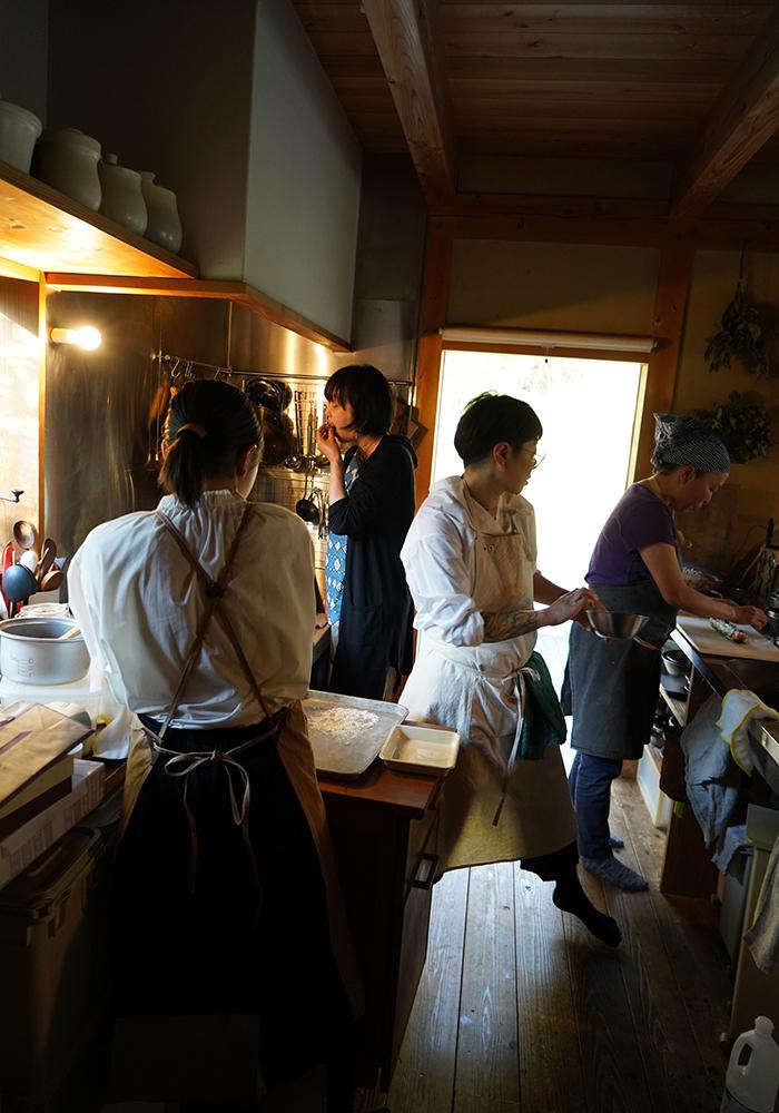 キッチンで1