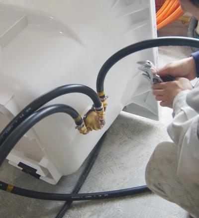 追い焚き配管と分岐して洗濯機に配管をもっていく