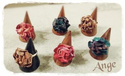 革のお花のリング