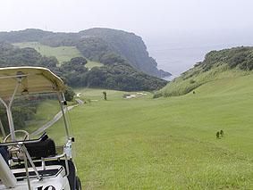 大島唯一のゴルフ場です