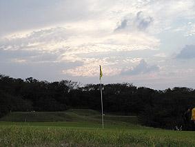 8番グリーン。ゴルフには最高の季節ですねぇ。