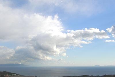 大島の雪遠景