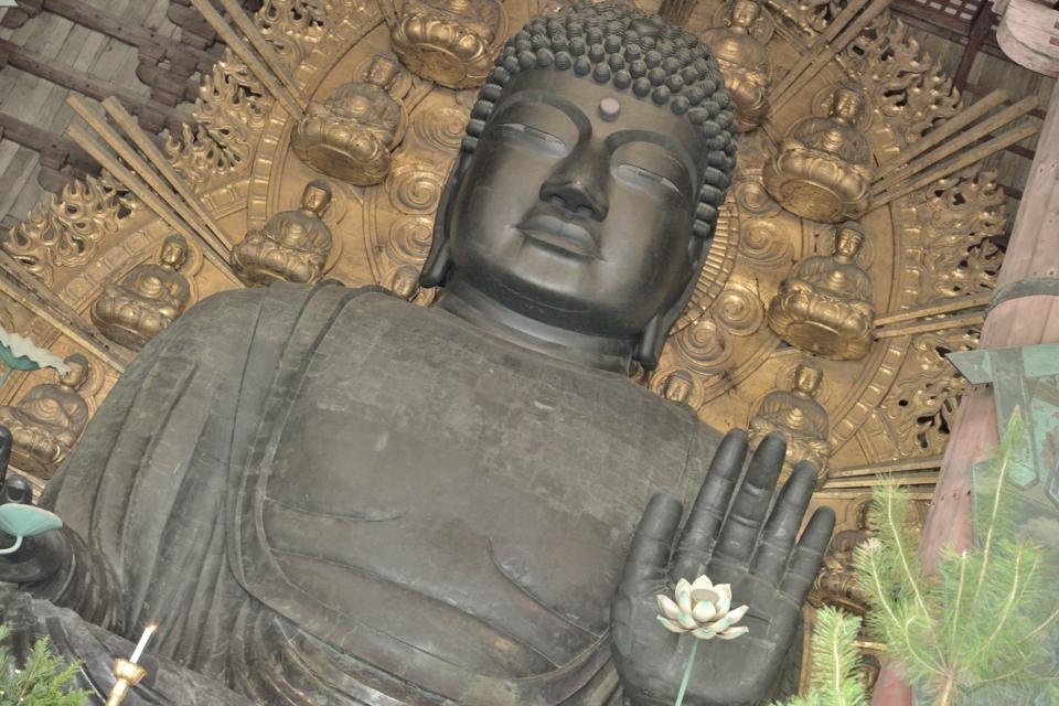 奈良の大仏の重さって?
