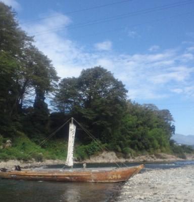 帆かけ舟と南アルプス