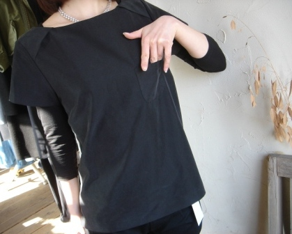 VINYL  ◇ 後ろ切り替えブラウス ¥13650